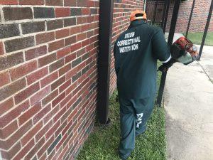 Louisiana inmate working outside